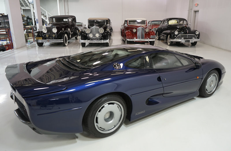 1994 Le Mans Blue Jaguar XJ220 Coupe For Sale (picture 2 of 6)