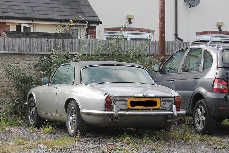 https://uploads.carandclassic.co.uk/uploads/cars/jaguar/12654215.jpg