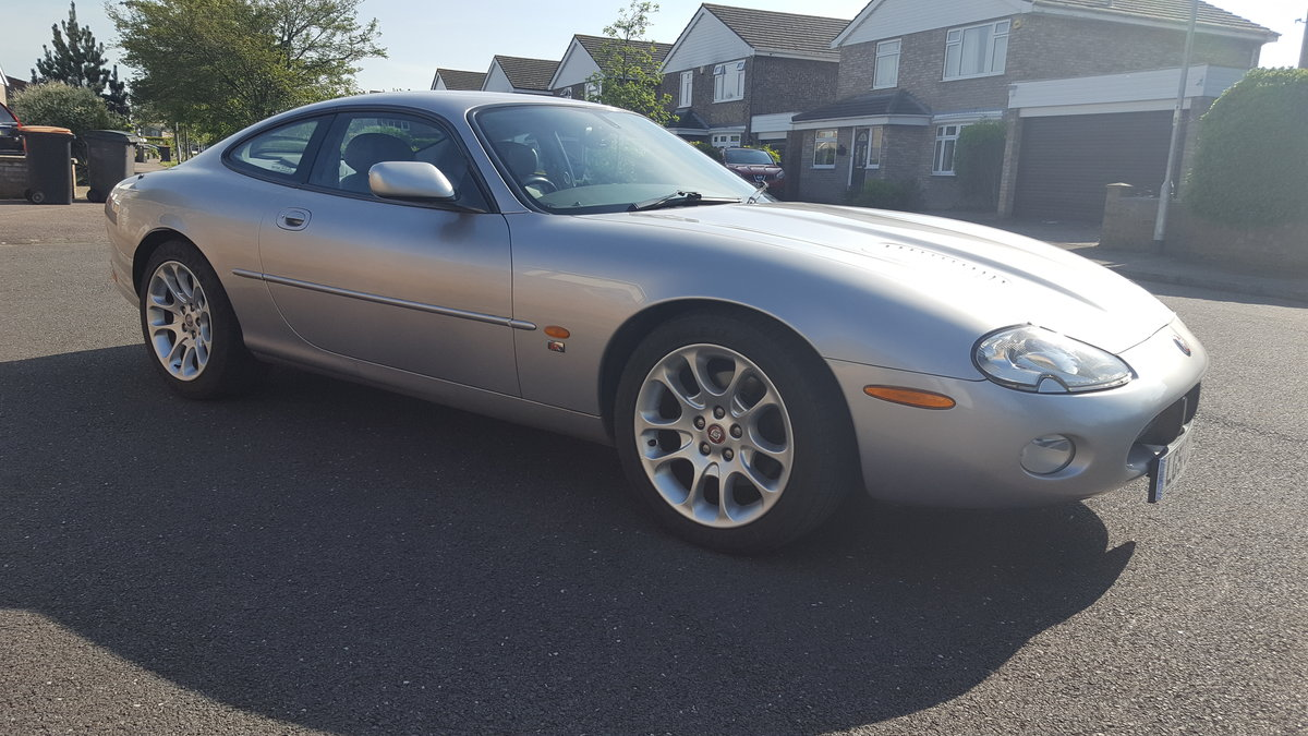 2001 xkr coupe silver/grey leather For Sale (picture 2 of 6)