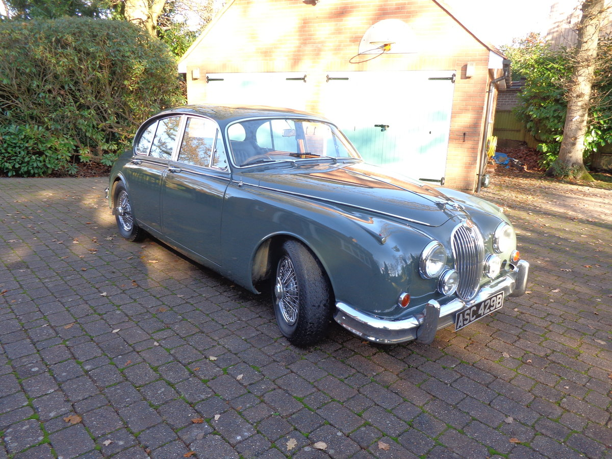 1964 A REALLY GOOD, ORIGINAL JAGUAR MK 2, 3.4 MOD WITH PAS. For Sale (picture 3 of 6)