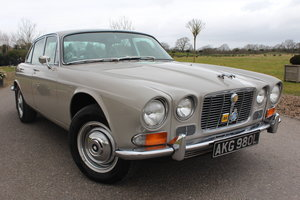 1972 Jaguar XJ XJ6 Series 1 4.2 Manual with Overdrive For Sale