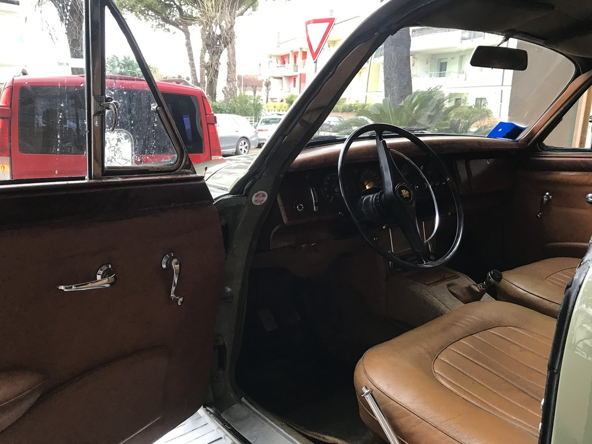 1968 Very nice original 2,4 L Jaguar Mk2 lhd For Sale (picture 4 of 6)