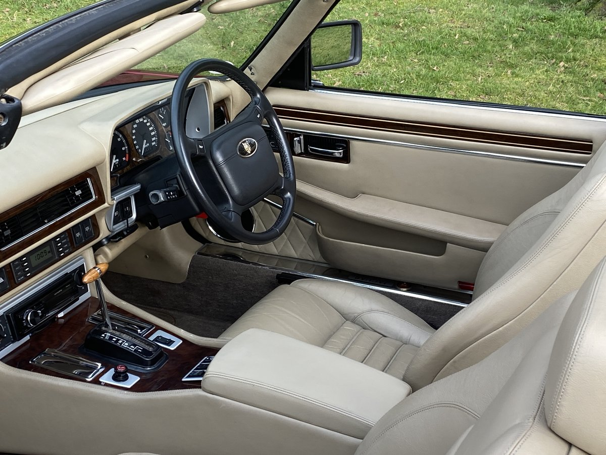 1993 Jaguar XJS V12 Convertible Imaculate example For Sale (picture 5 of 6)