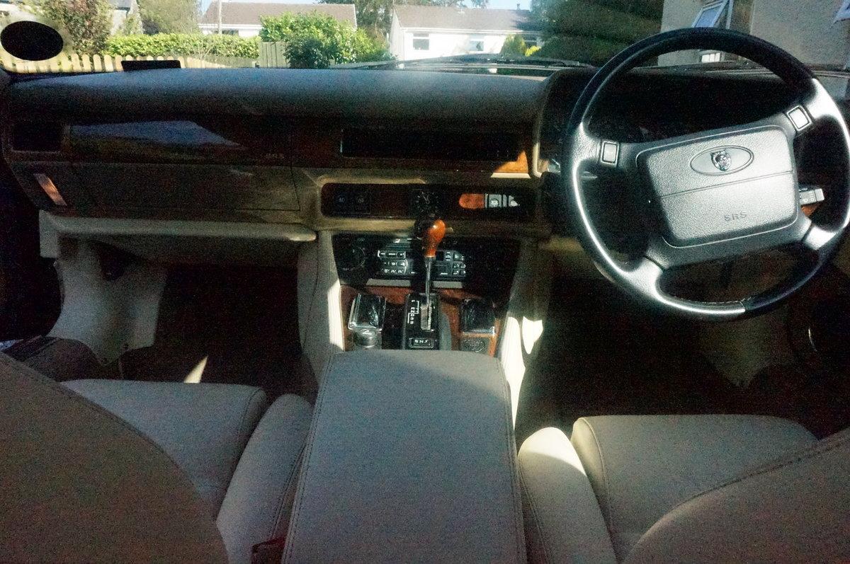 1994 Jaguar XJS 4.0 Facelift Coupe For Sale (picture 5 of 6)