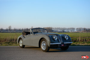 1953 Jaguar XK120 DHC Baltic Grey - Excellent Matching Numbers