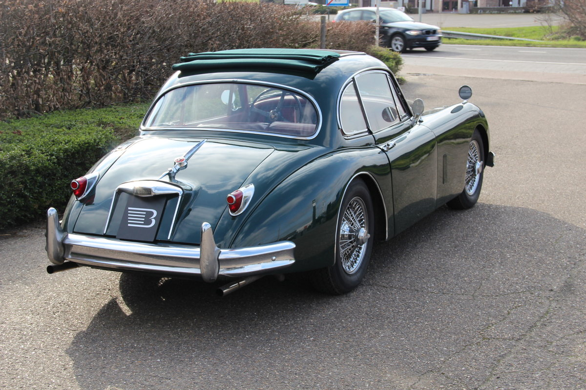 1957 Authentic beautiful Jaguar XK150 FHC For Sale (picture 2 of 6)