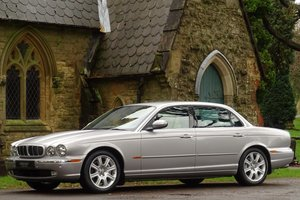 JAGUAR XJ8 V8 SOVEREIGN 4DR LWB