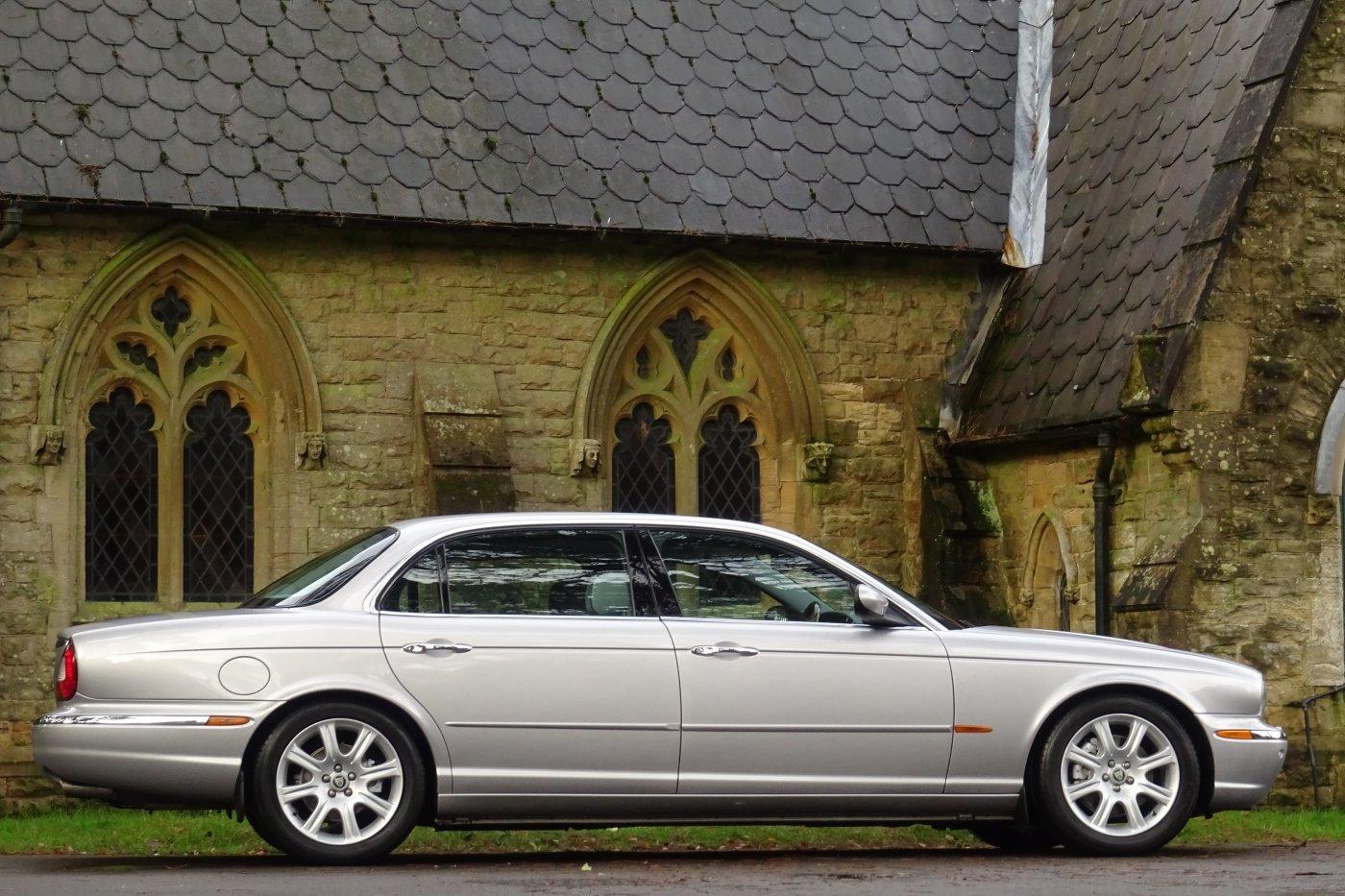 2005 JAGUAR XJ8 V8 SOVEREIGN 4DR LWB For Sale (picture 2 of 6)