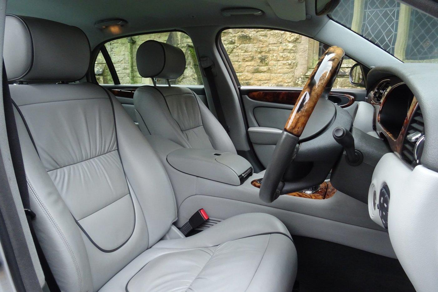 2005 JAGUAR XJ8 V8 SOVEREIGN 4DR LWB For Sale (picture 5 of 6)