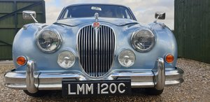 1965 Jaguar 3.4 MK2 Saloon in Opalescent Light Blue Metallic For Sale