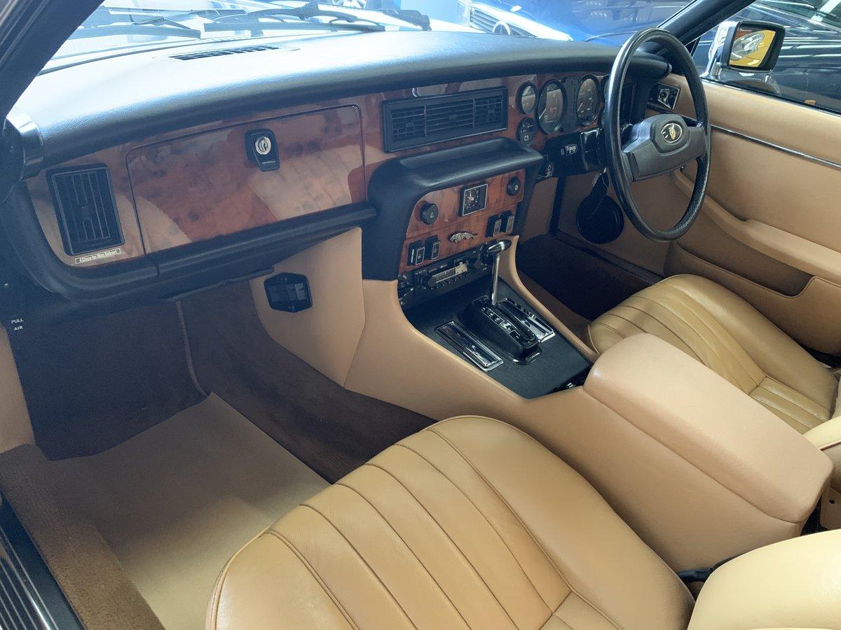1983 JAGUAR XJ6  Series 3  For Sale (picture 4 of 6)