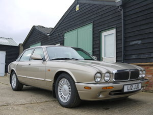 1998 JAGUAR XJ8 SALOON - 77K MILES AND OUTSTANDING CONDITION !! For Sale