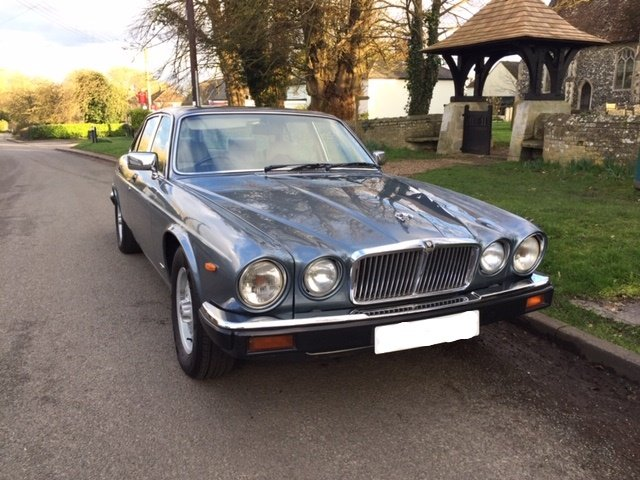 1986 Gorgeous XJ6 Series 3 Low Mileage For Sale (picture 2 of 6)
