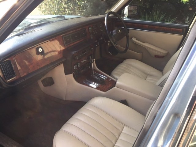 1986 Gorgeous XJ6 Series 3 Low Mileage For Sale (picture 4 of 6)