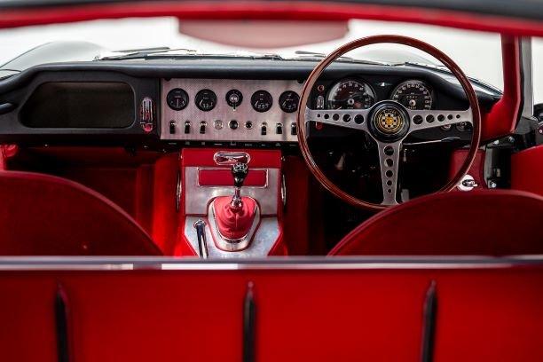 1961 Jaguar E Type 3.8 FHC Flat Floor For Sale (picture 4 of 6)