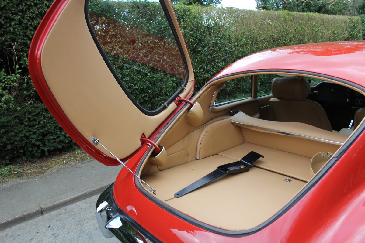 1969 Jaguar E-Type Series II 2+2 - Manual, Matching Numbers For Sale (picture 14 of 19)