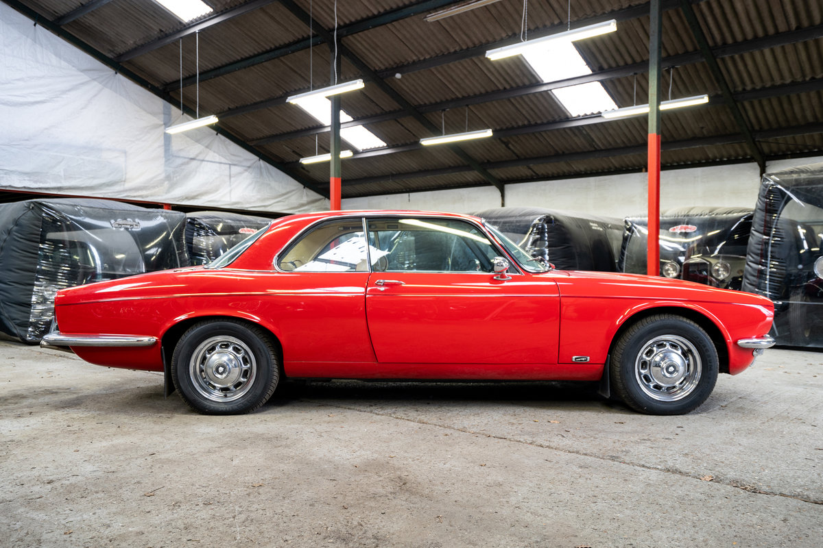 1976 Jaguar v12 coupe For Sale (picture 4 of 6)