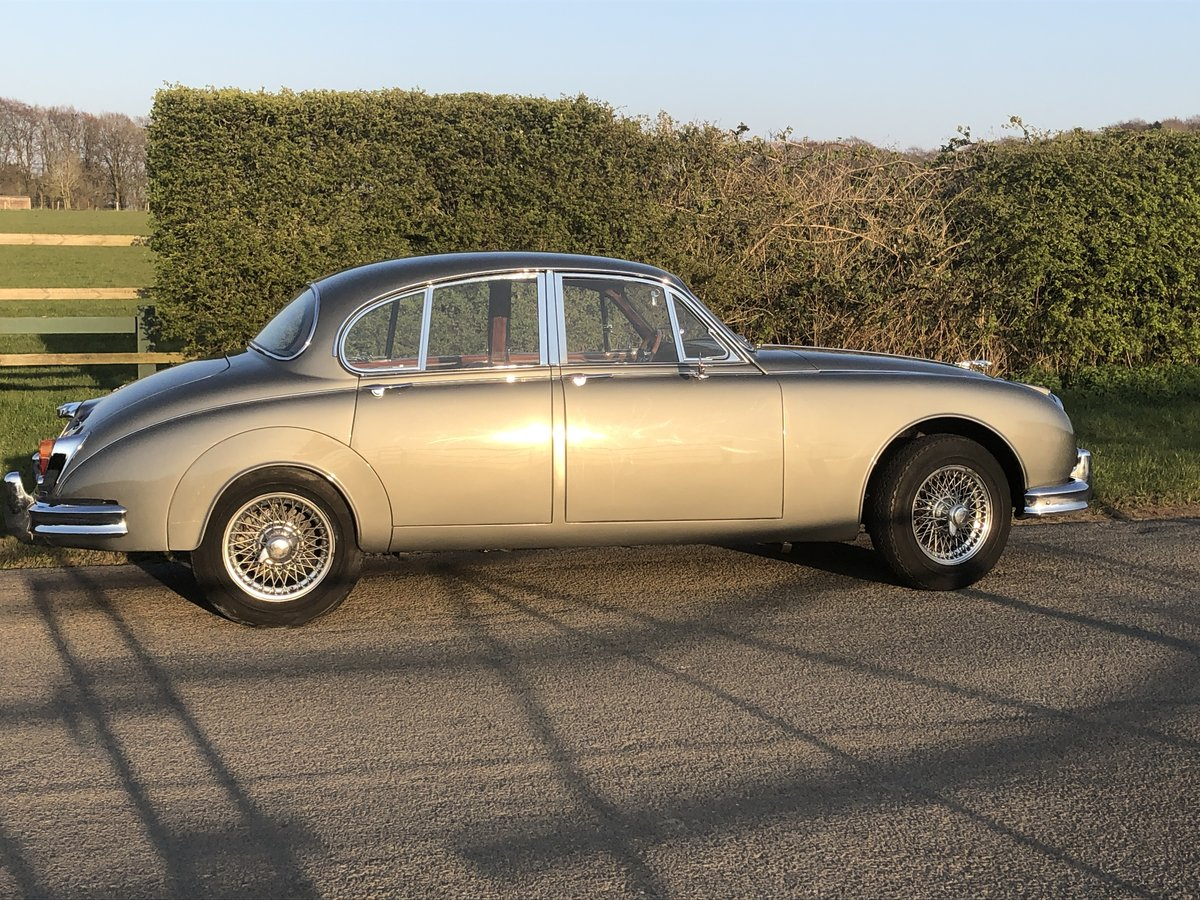 1963 Jaguar MK II 3.4 Manual with Overdrive For Sale (picture 2 of 6)