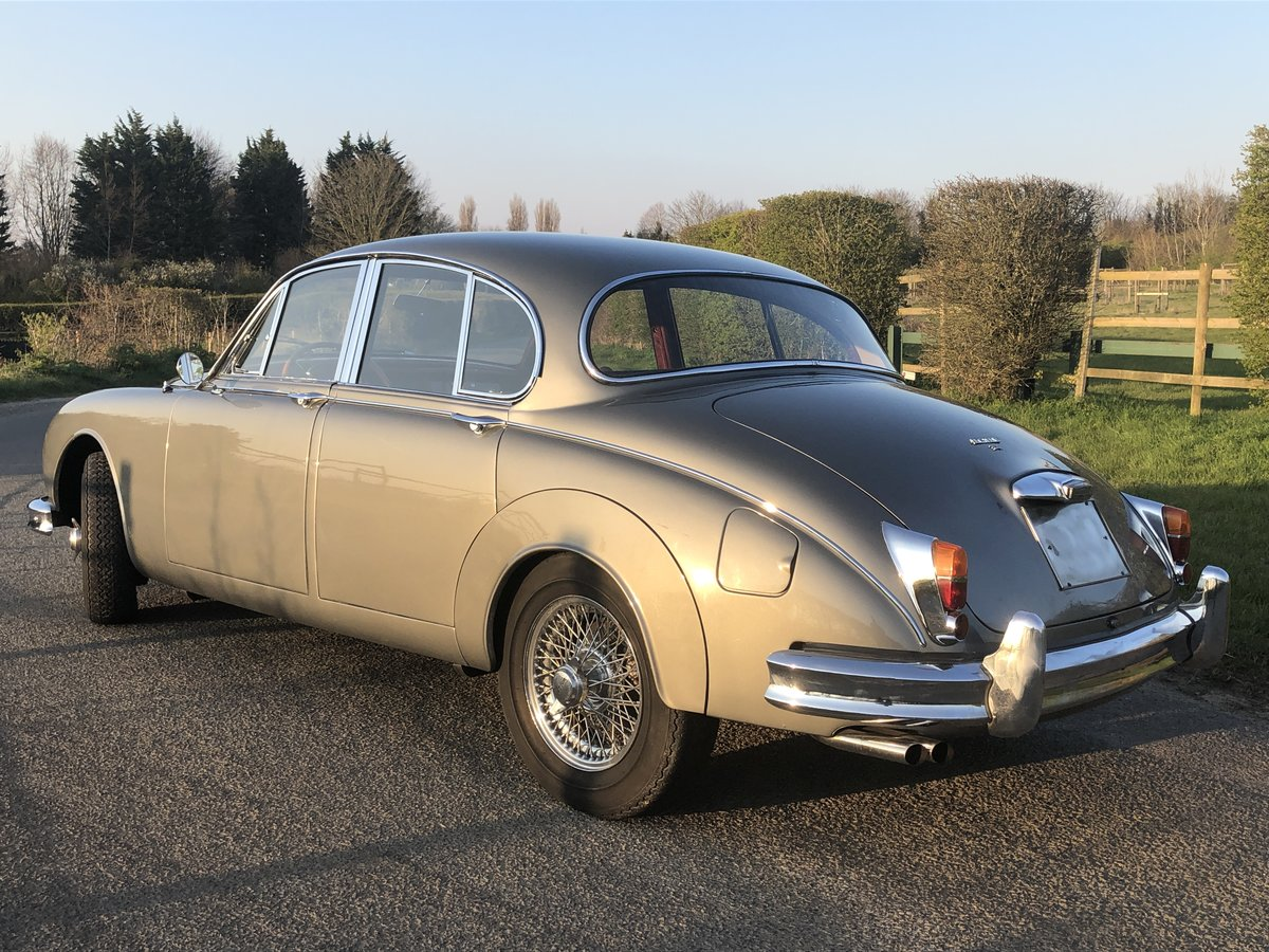 1963 Jaguar MK II 3.4 Manual with Overdrive For Sale (picture 3 of 6)
