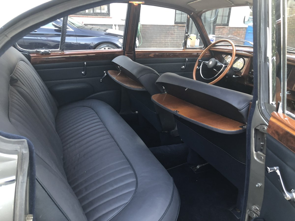 1963 Jaguar MK II 3.4 Manual with Overdrive For Sale (picture 5 of 6)