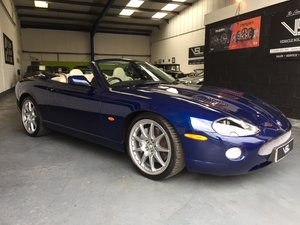2005 Jaguar XKR 4.2 V8 Supercharged 2dr Convertible