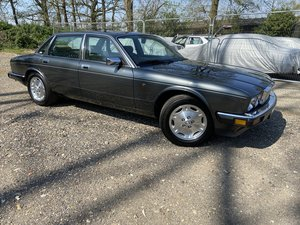 1991 Jaguar XJ40 XJ6 3.2 only covered 12k miles from new!