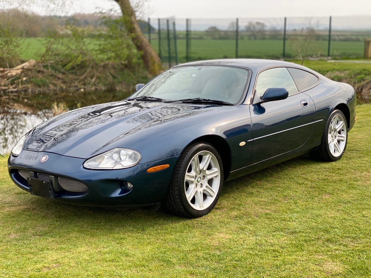1997  JAGUAR XK8 4.0 V8 SPORT COUPE AUTOMATIC * XKR LOOKS For Sale (picture 1 of 6)