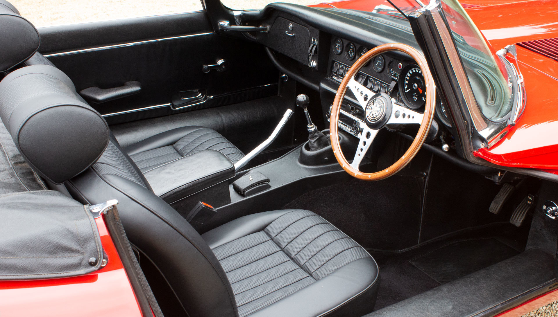 1973 Jaguar E-Type Series 3 V12 Open Two Seater SOLD (picture 4 of 6)