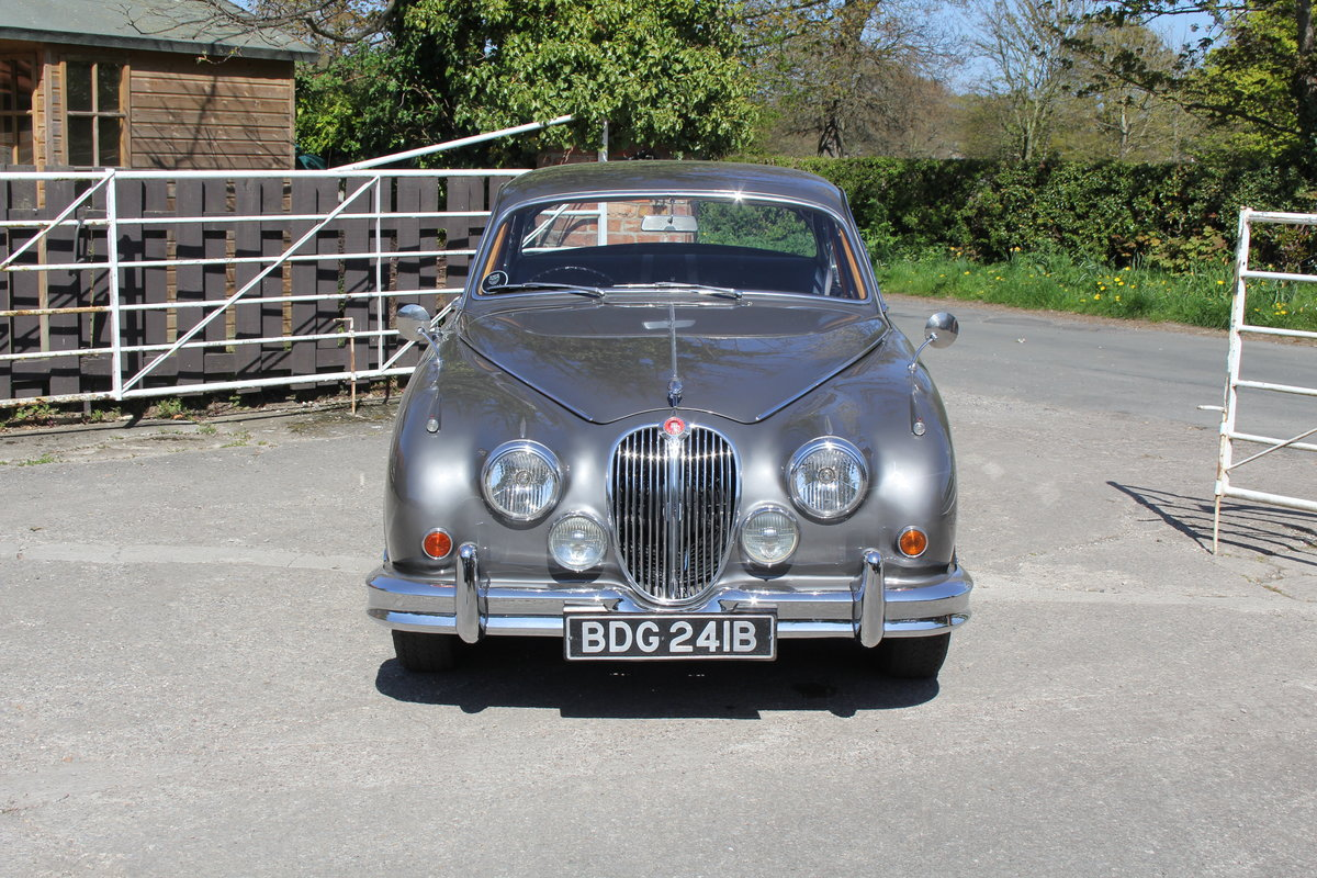 1964 Jaguar MkII 3.4 Manual O/D Full Re-Trim Immaculate all round For Sale (picture 2 of 20)