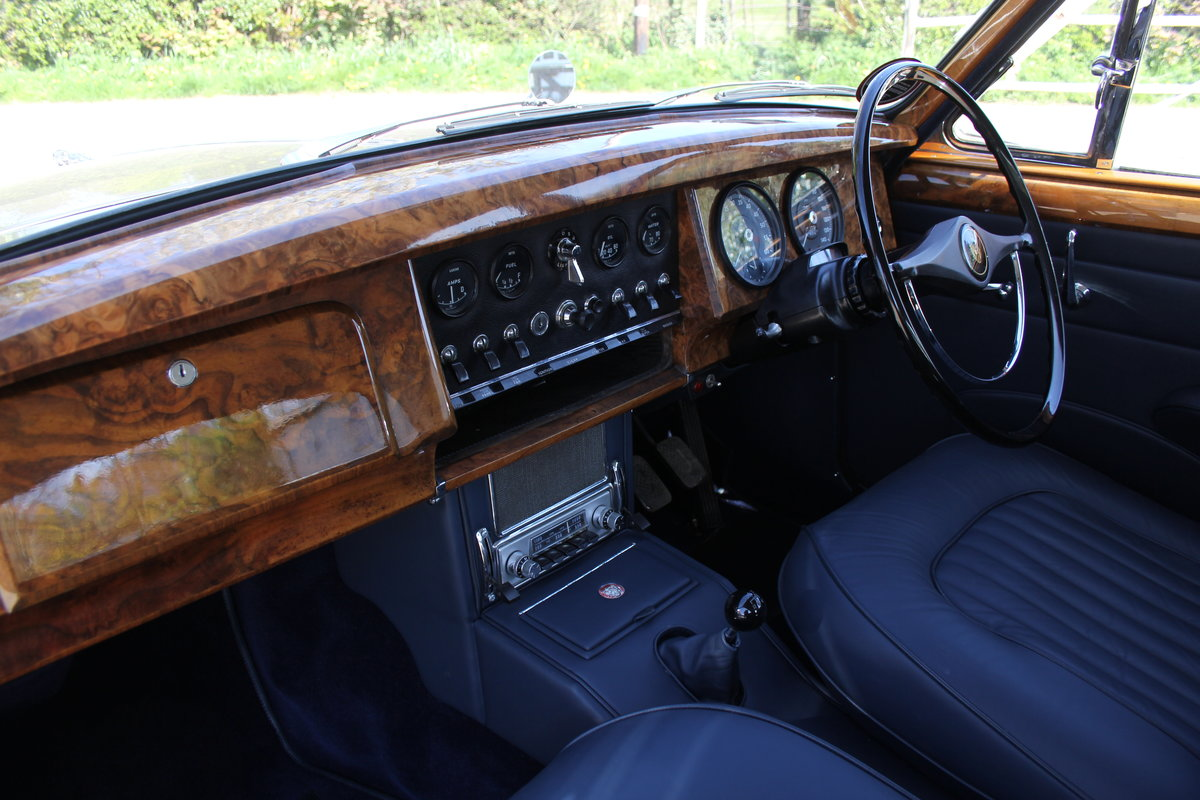1964 Jaguar MkII 3.4 Manual O/D Full Re-Trim Immaculate all round For Sale (picture 10 of 20)