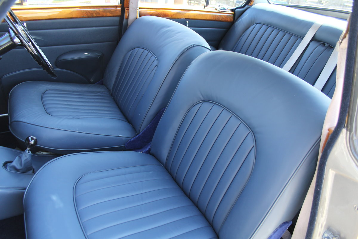 1964 Jaguar MkII 3.4 Manual O/D Full Re-Trim Immaculate all round For Sale (picture 12 of 20)