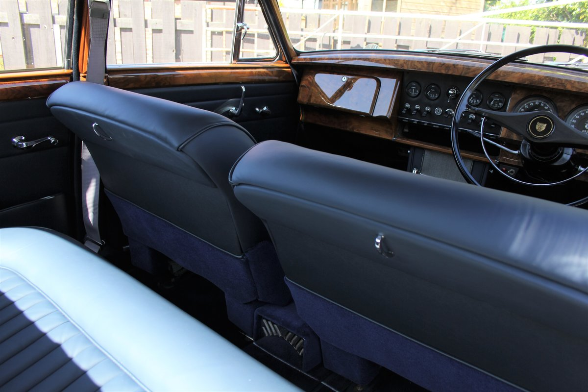 1964 Jaguar MkII 3.4 Manual O/D Full Re-Trim Immaculate all round For Sale (picture 13 of 20)