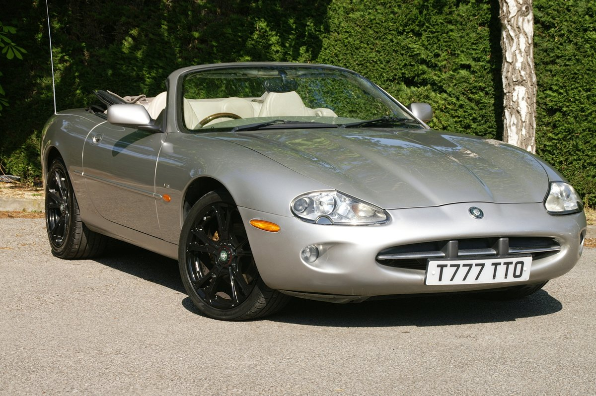 1999 Jaguar XK8 4.0 V8 Auto Convertible SOLD (picture 1 of 6)