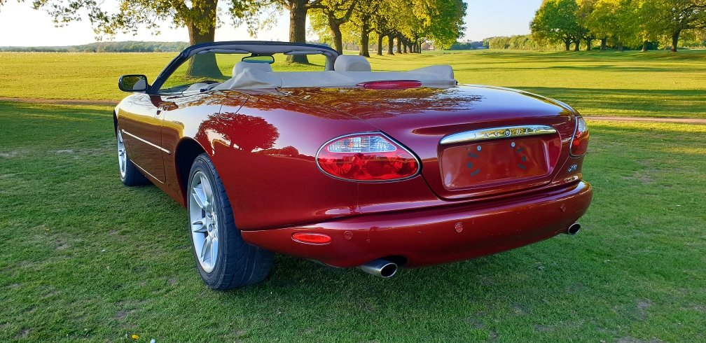 Original 2000 LHD Jaguar XK8 4.0 V8, Left hand drive For Sale (picture 3 of 6)