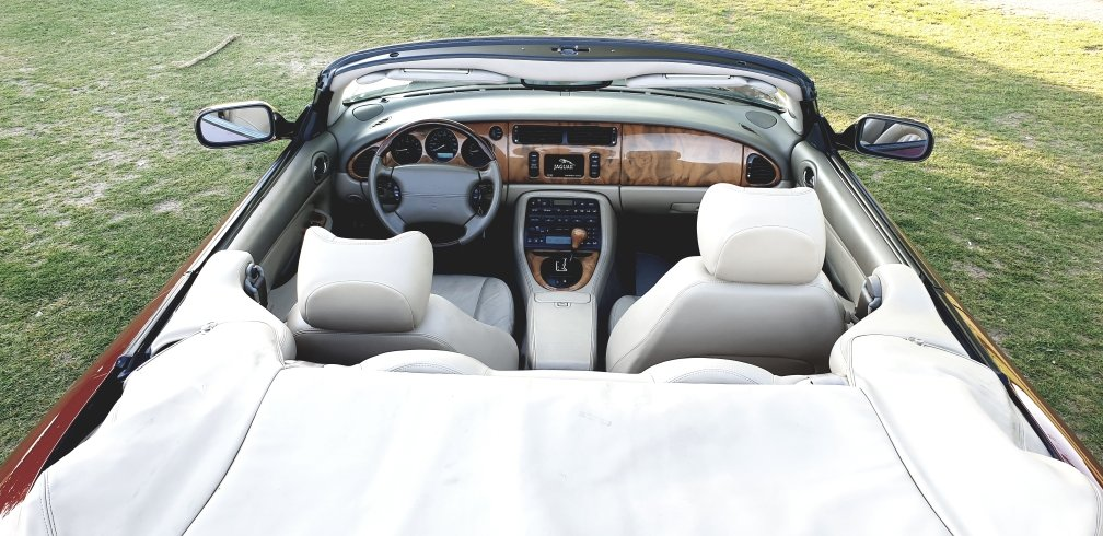 Original 2000 LHD Jaguar XK8 4.0 V8, Left hand drive For Sale (picture 5 of 6)