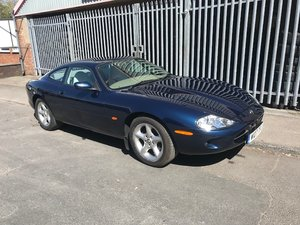 2000 Jaguar XK8 For Sale by Auction