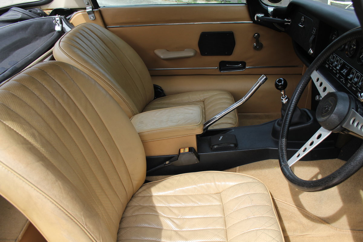 1973 Jaguar E-Type Series III V12 Roadster, 9,920 miles, 1 owner For Sale (picture 8 of 24)