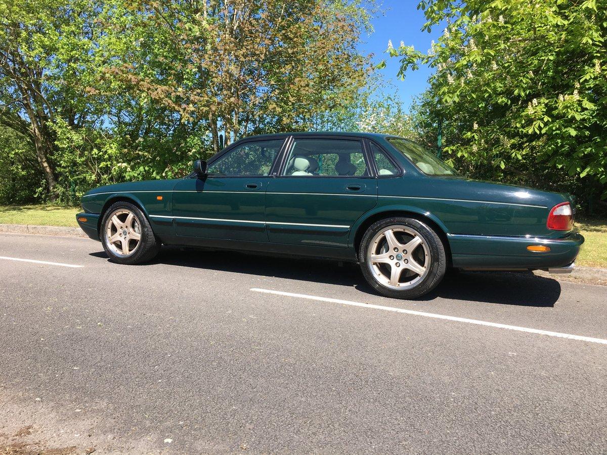 2000 Jaguar XJR 376BHP V8 Supercharged Rare Colour For Sale (picture 2 of 6)