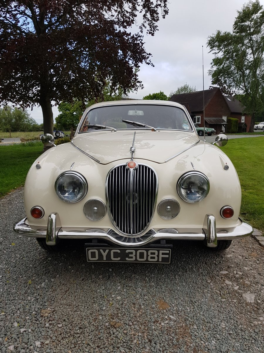 1967 Stunning MK 2 3.4 Jaguar in Old English White SOLD (picture 4 of 6)