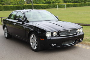 2007 Stunning Jaguar XJ8 4.2 V8 Executive