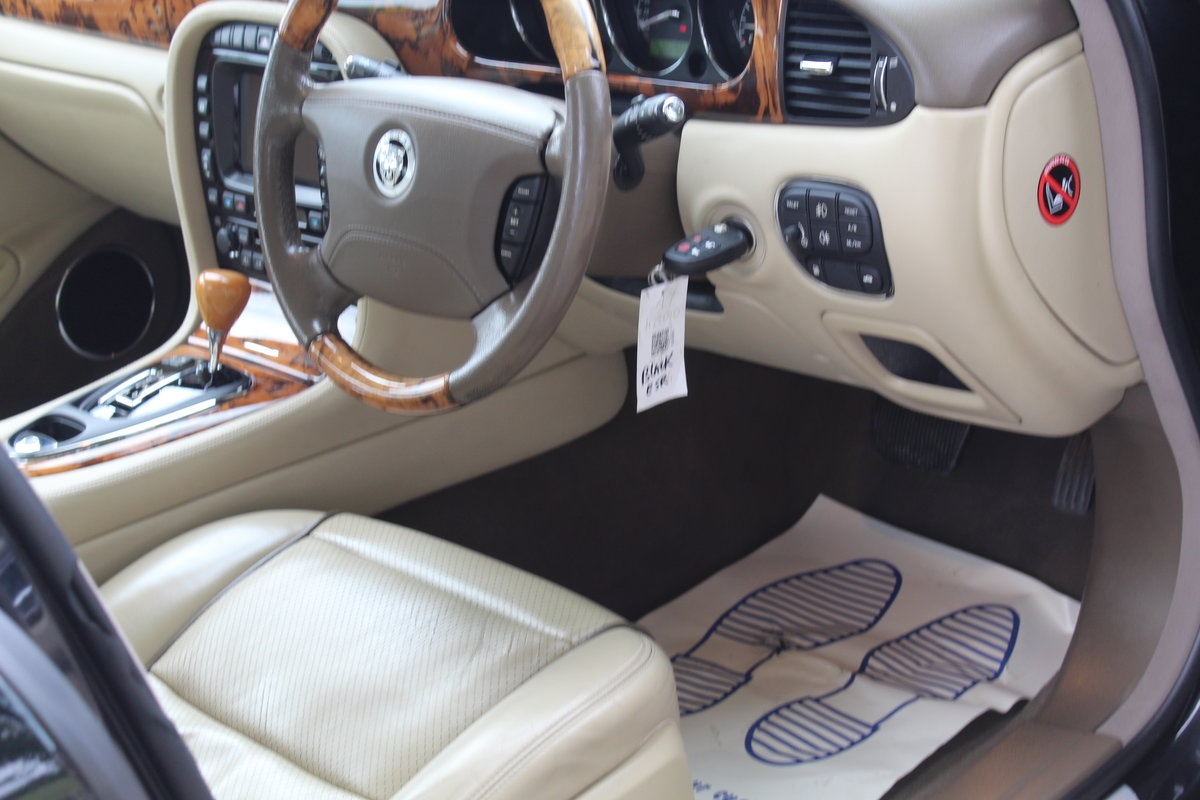 2007 Stunning Jaguar XJ8 4.2 V8 Executive For Sale (picture 4 of 6)