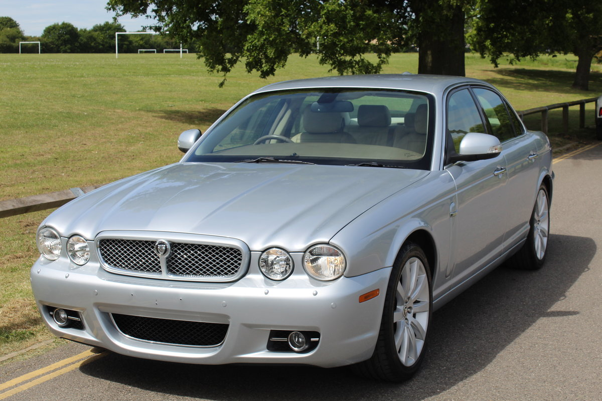 2009 STUNNING XJ X358 Facelift 3.0 Executive For Sale | Car And Classic