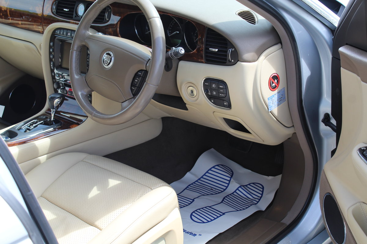 2009 STUNNING XJ X358 Facelift 3.0 Executive For Sale (picture 4 of 6)