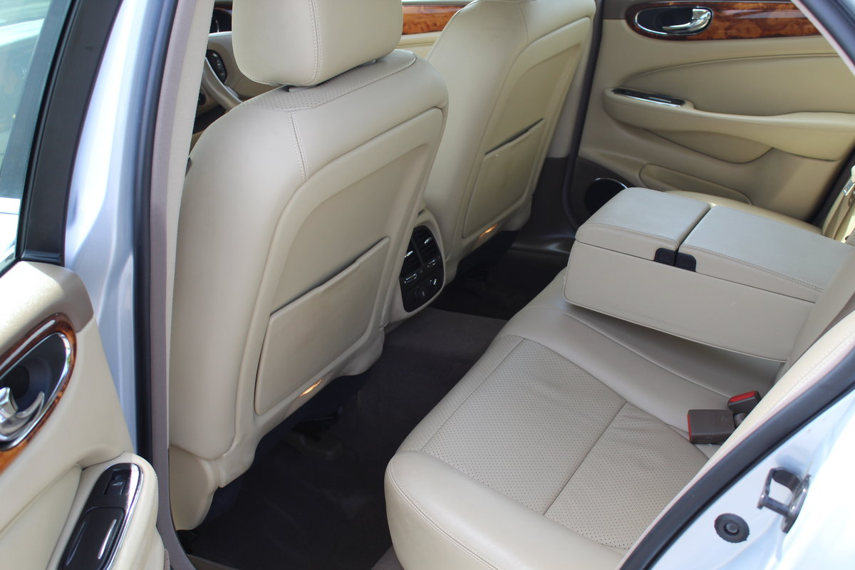 2009 STUNNING XJ X358 Facelift 3.0 Executive For Sale (picture 5 of 6)