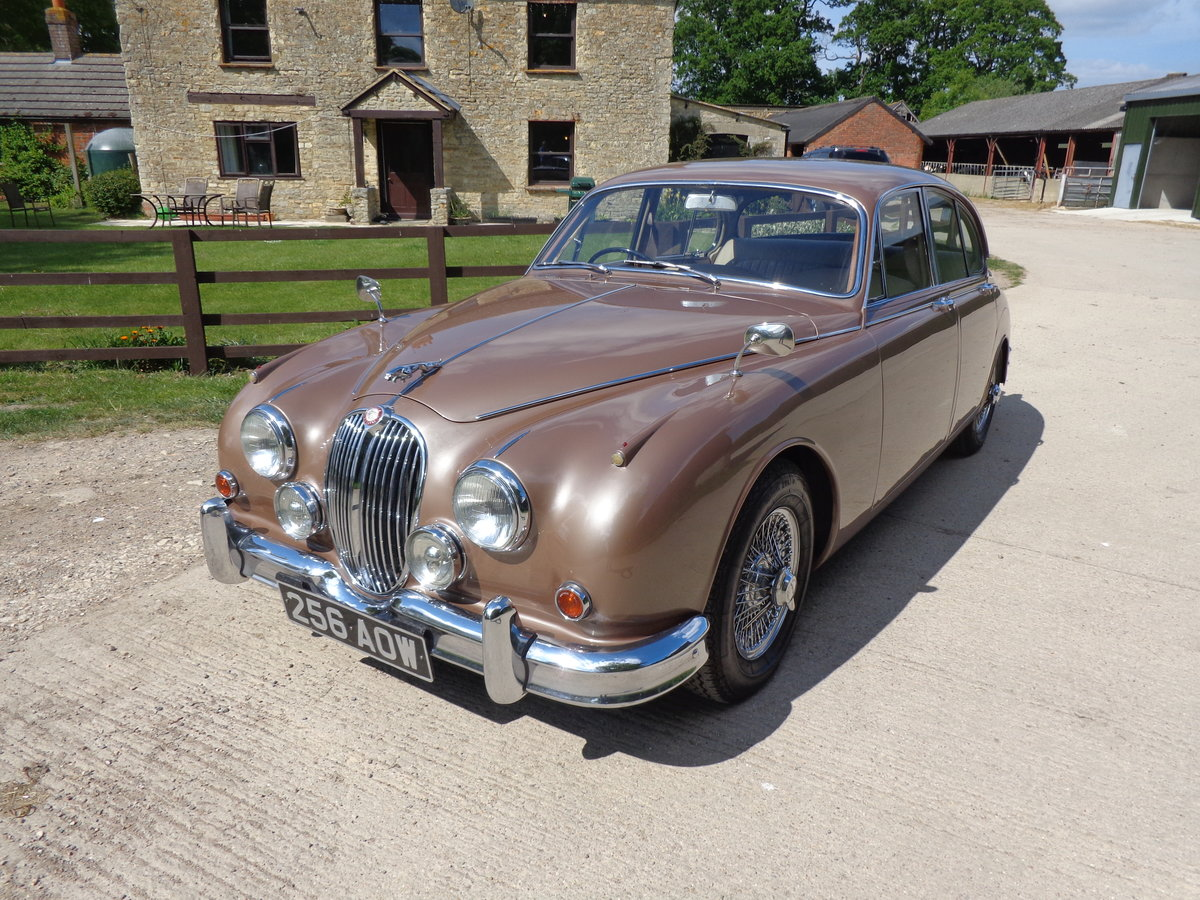 1962 A STUNNING LOW MILEAGE JAGUAR 3.8 MOD - 2 OWNERS FROM NEW! For Sale (picture 1 of 6)