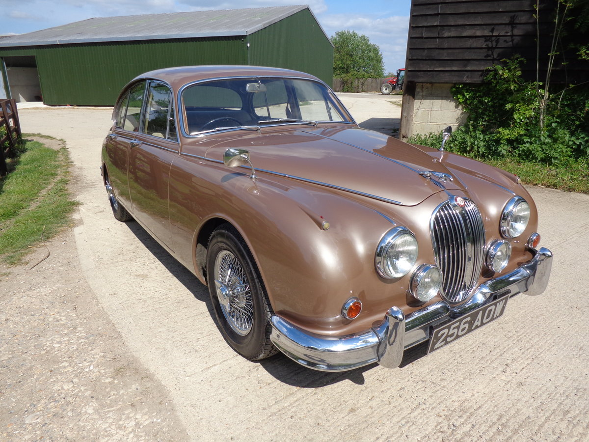 1962 A STUNNING LOW MILEAGE JAGUAR 3.8 MOD - 2 OWNERS FROM NEW! For Sale (picture 2 of 6)