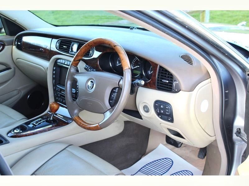 2007 Beautiful Jaguar XJ 4.2 Executive X358   For Sale (picture 3 of 6)
