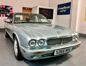 Jaguar XJ8 4.0 Sport Auto V8 - Mega Low Miles 41K - Pristine