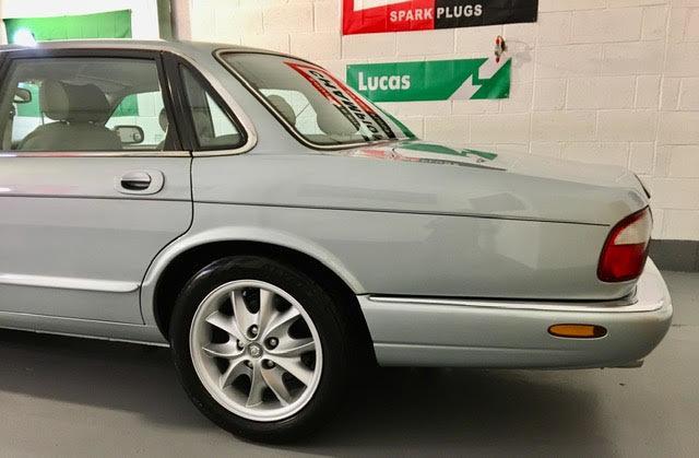 1998 Jaguar XJ8 4.0 Sport Auto V8 - Mega Low Miles 41K - Pristine For Sale (picture 2 of 6)