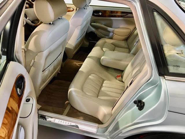 1998 Jaguar XJ8 4.0 Sport Auto V8 - Mega Low Miles 41K - Pristine For Sale (picture 6 of 6)